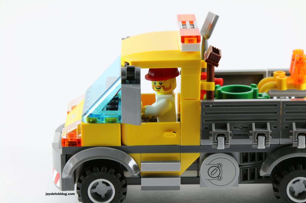 LEGO 60073 Service Truck - Driver and Side Details