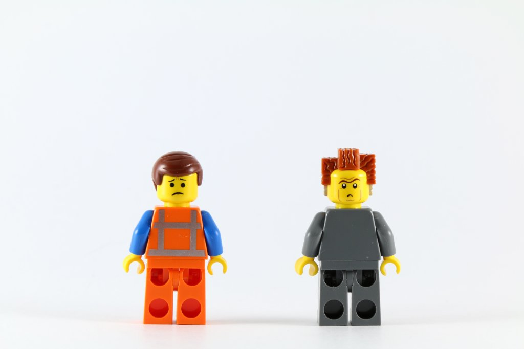 LEGO 70818 Double Decker Couch - Emmet and President Business Minifigures Back