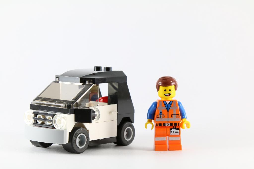 LEGO 70818 Double Decker Couch - Emmet's Car