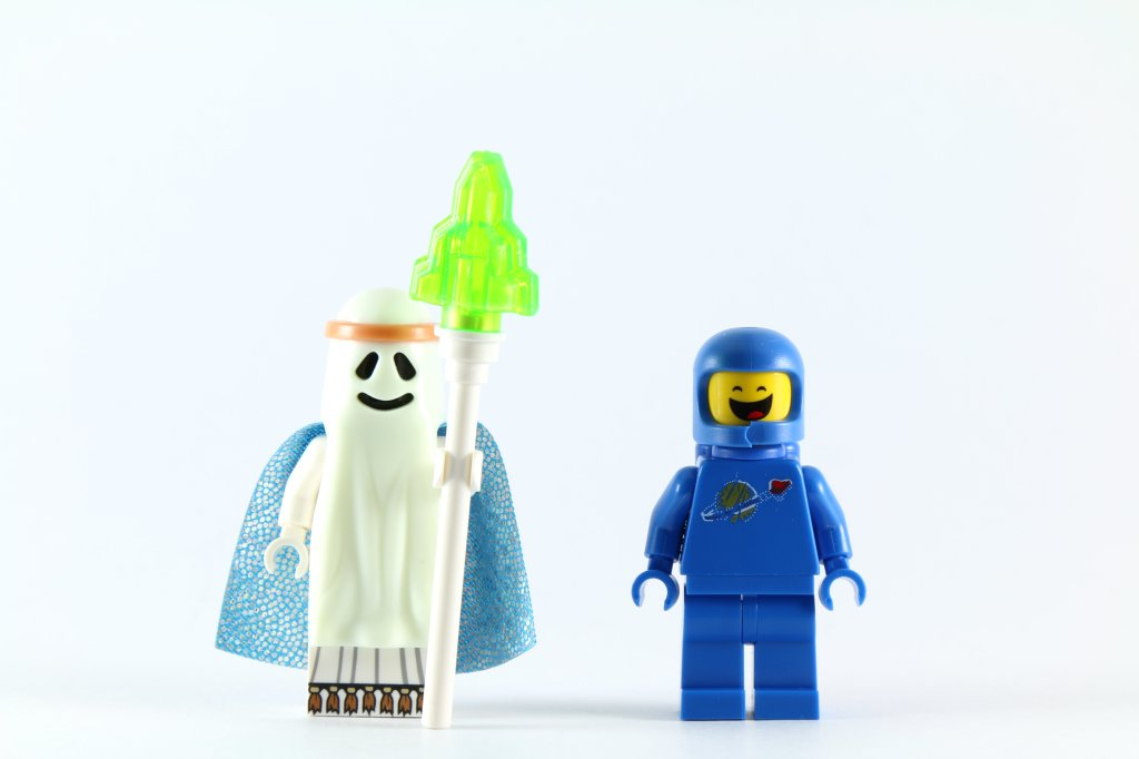 LEGO 70818 Double Decker Couch - Ghost Vitruvius and Benny Minifigures