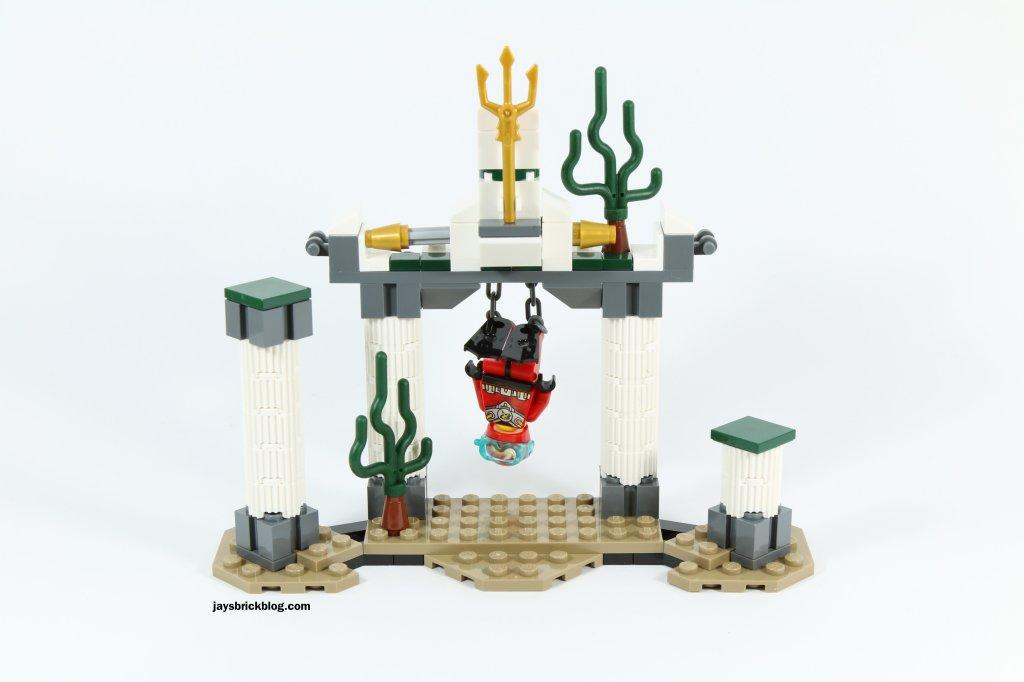 LEGO 76027 - Black Manta Deep Sea Strike - Robin Imprisoned