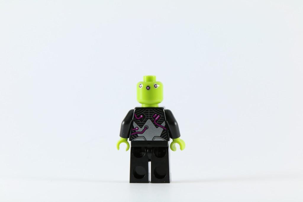 LEGO 76040 Brainiac Attack - Brainiac Minifigure Back