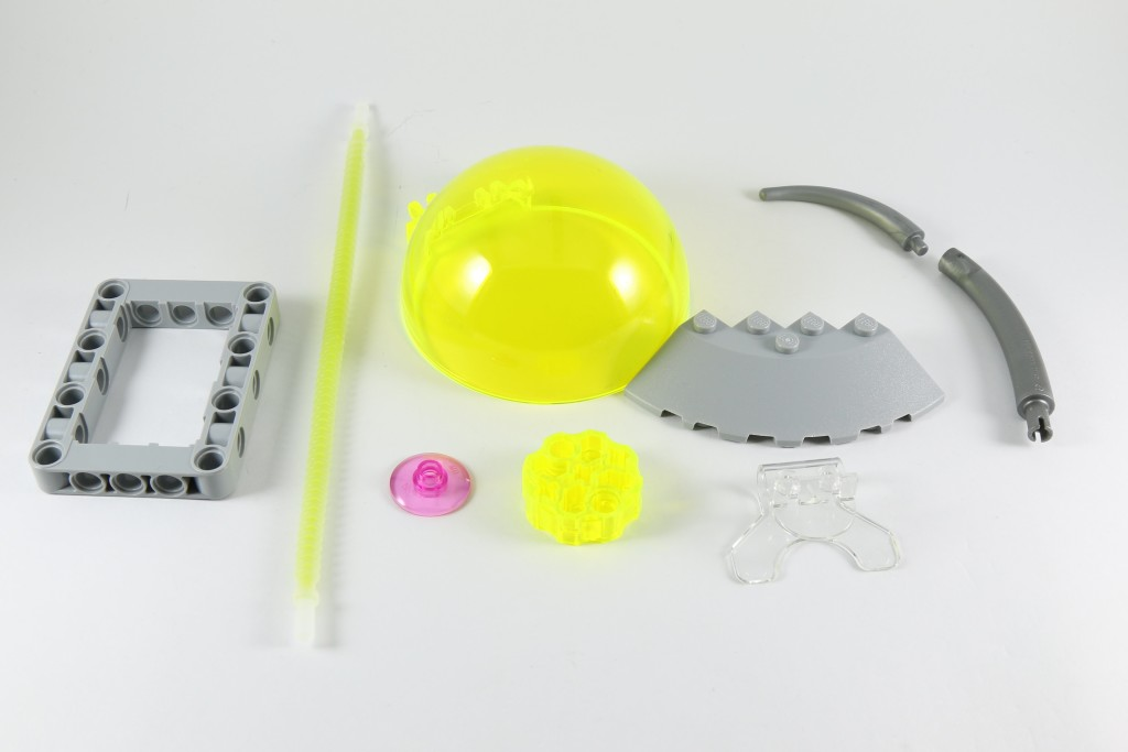 LEGO 76040 Brainiac Attack - Interesting Parts