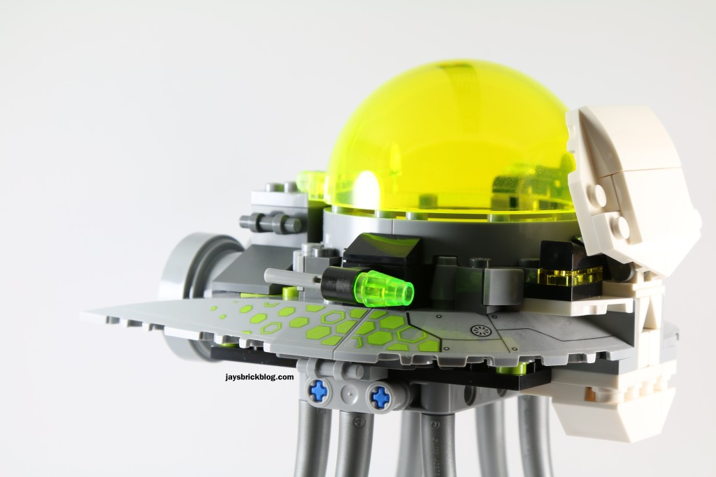 LEGO 76040 Brainiac Attack - Skull Ship Flick Fires