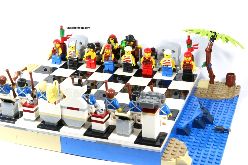 LEGO 40158 Pirates Chess Set - Alternate View