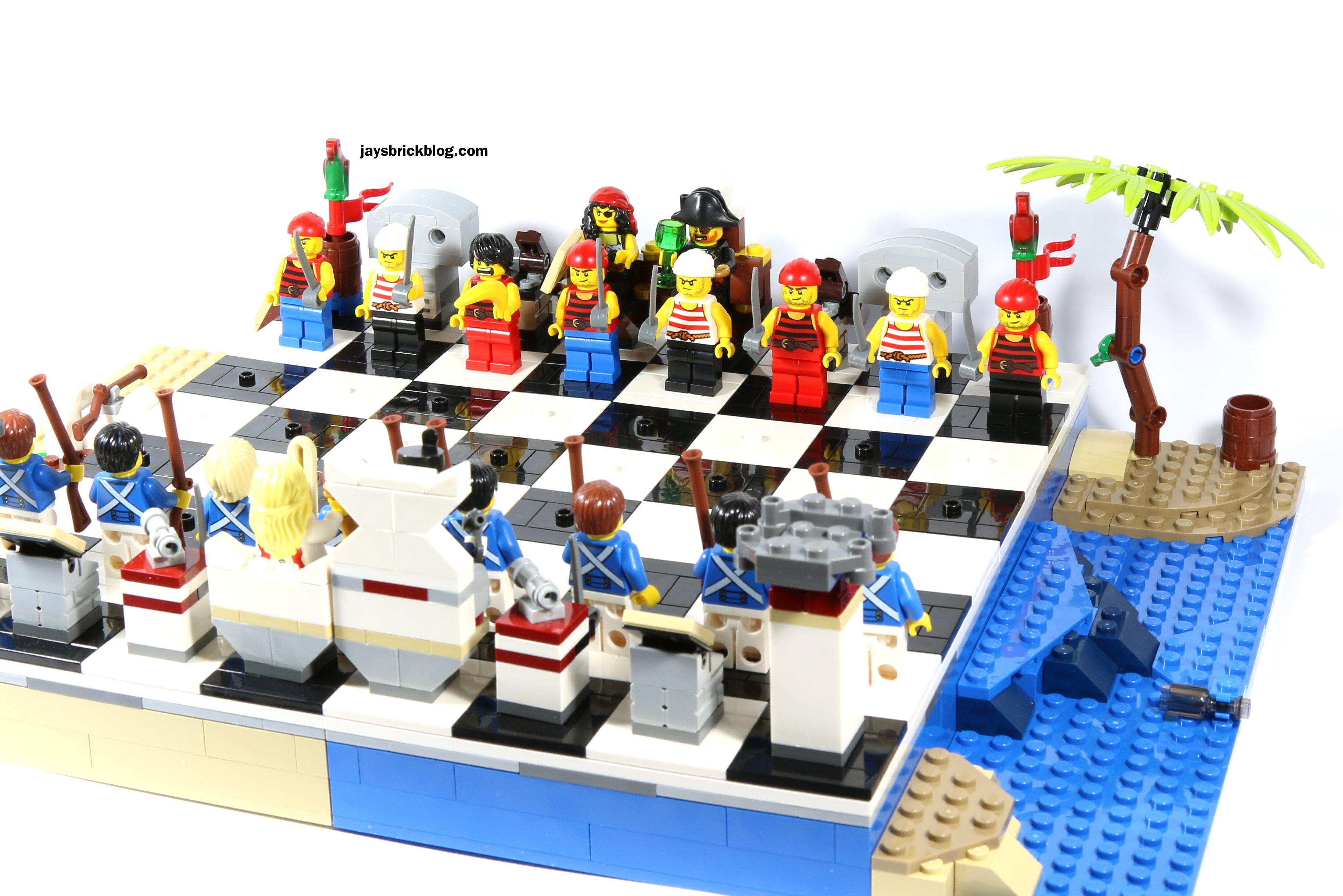 NIB Lego Pirates Chess Set 40158