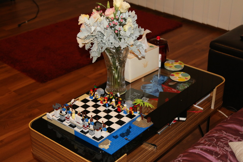 LEGO 40158 Pirates Chess Set - Living Room Decoration