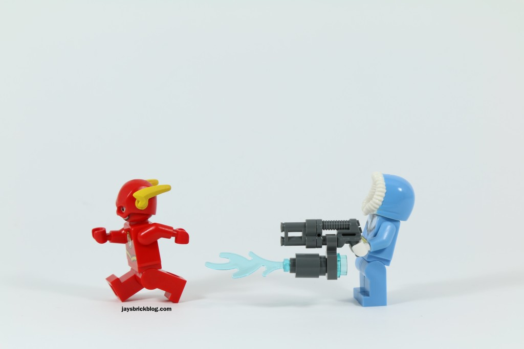 LEGO 76027 Gorilla Grodd Goes Bananas - Flash vs Captain Cold