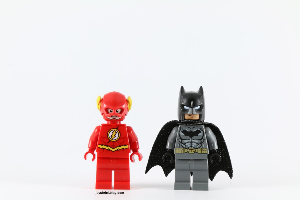 LEGO 76027 Gorilla Grodd Goes Bananas - The Flash and Batman Minifigures