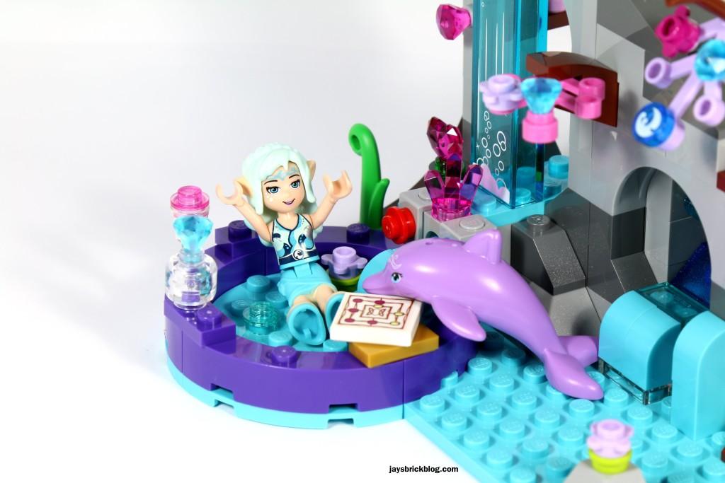 LEGO Elves 41072 Naida's Spa Secret - Naida playing with Delphia