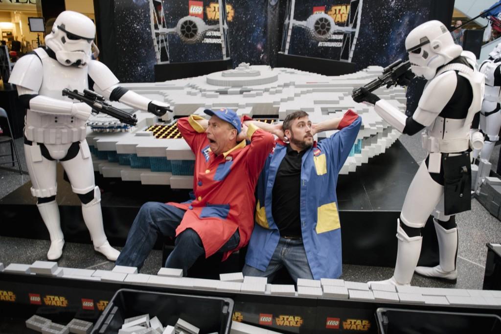 LEGOMasterBuilderandStormTroopers