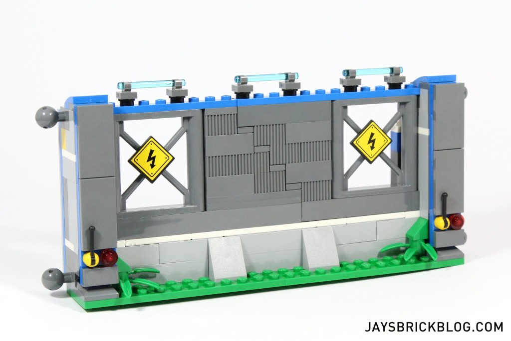 9 LEGO 75919 Indominus Rex Breakout - Collapsible Wall Section