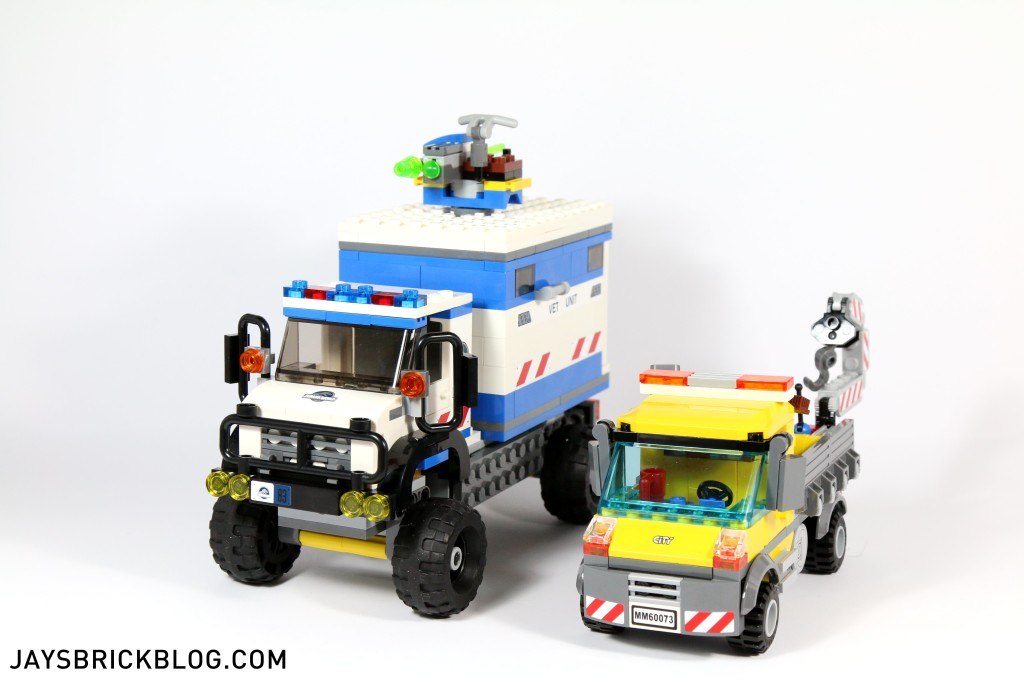 LEGO 75917 Raptor Rampage - Mobile Vet Unit Size Comparison