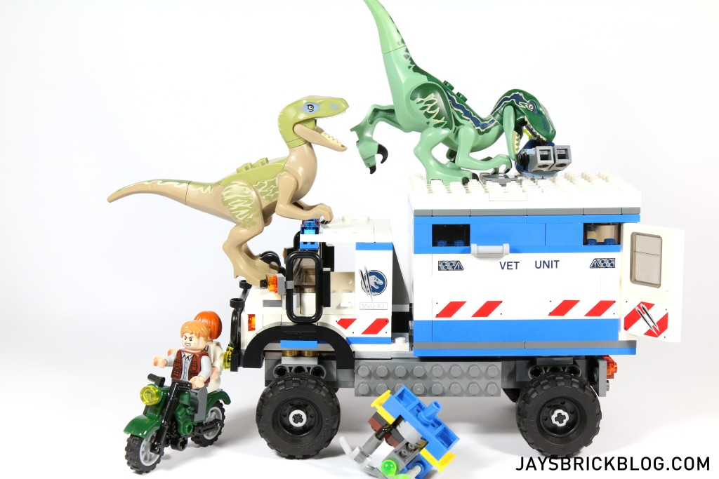 LEGO 75917 Raptor Rampage - Raptors Eating ACU Trooper