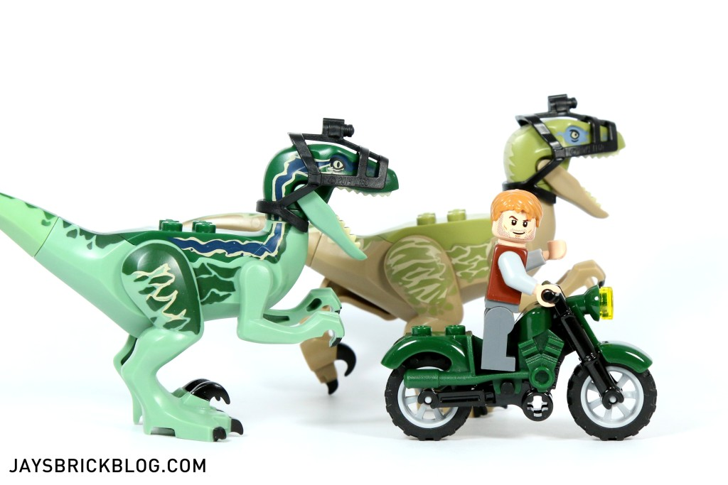 LEGO 75917 Raptor Rampage - Riding with Raptors
