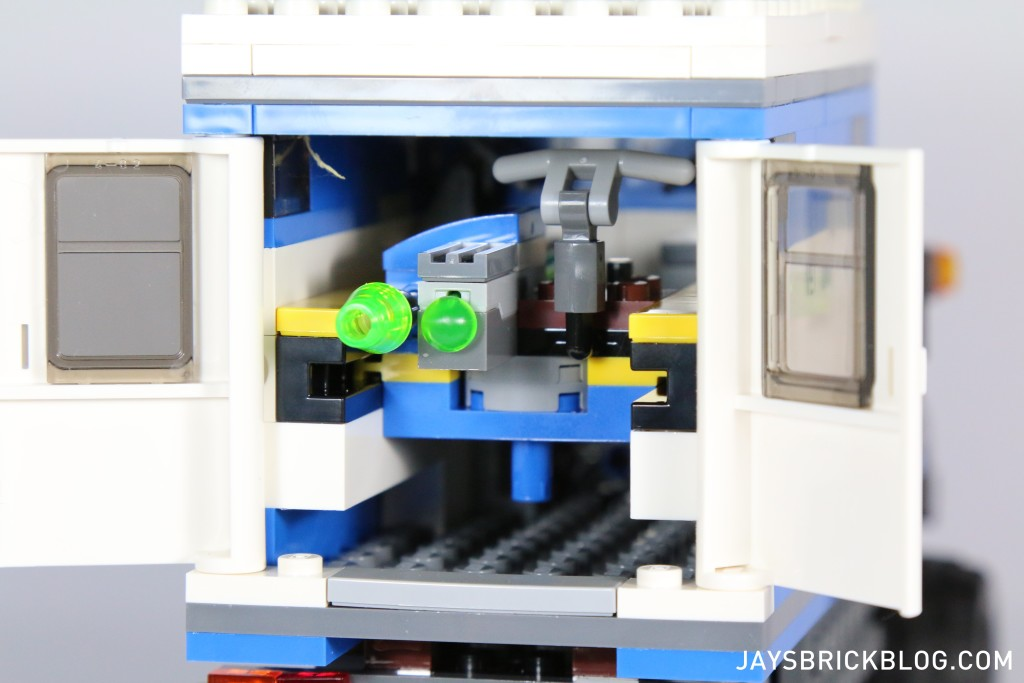 LEGO 75917 Raptor Rampage - Rooftop Shooter Storage