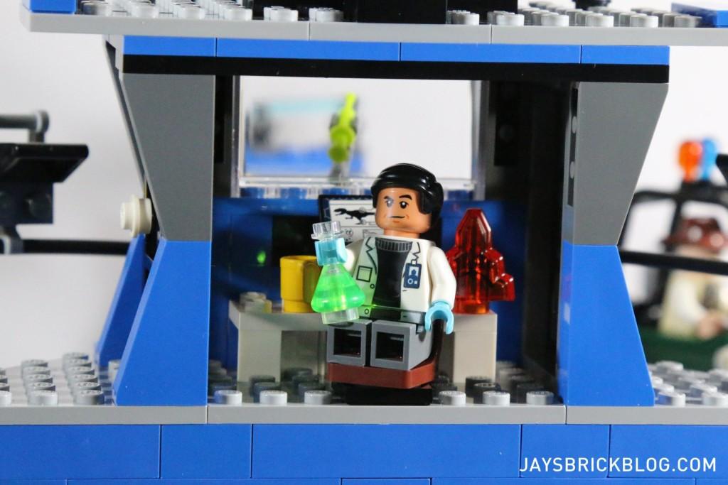 LEGO 75919 Indominus Rex Breakout - Dr Wu's Research Lb