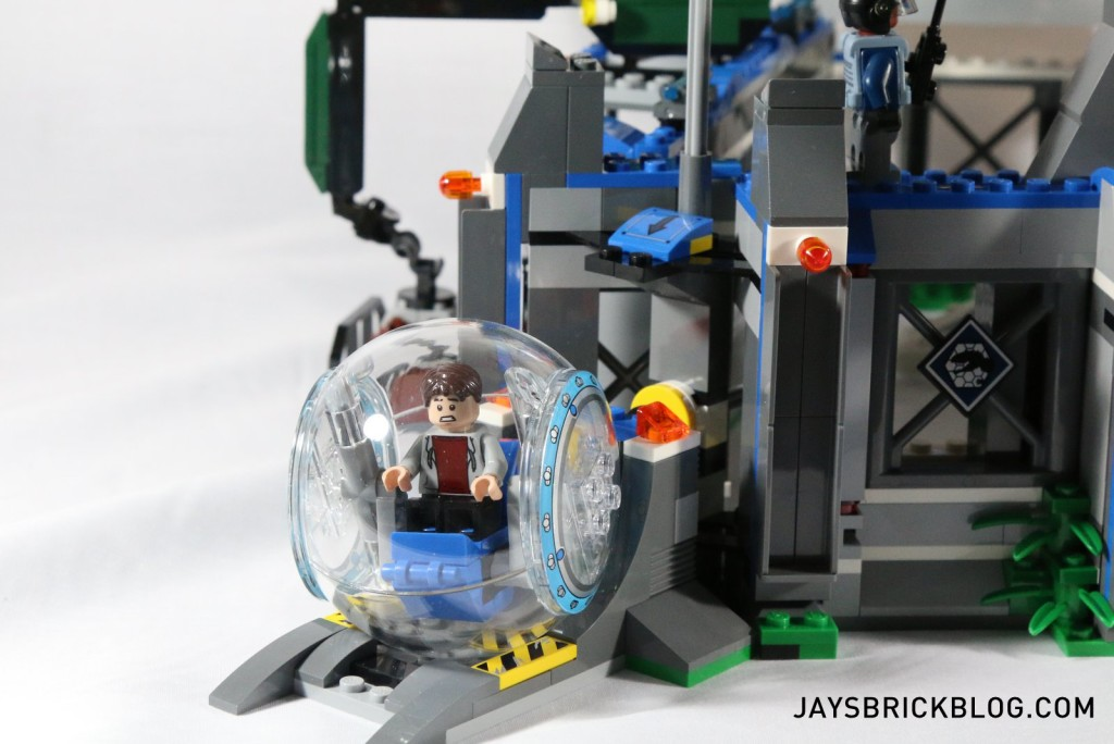 LEGO 75919 Indominus Rex Breakout - Gyrosphere Launch Wall Section