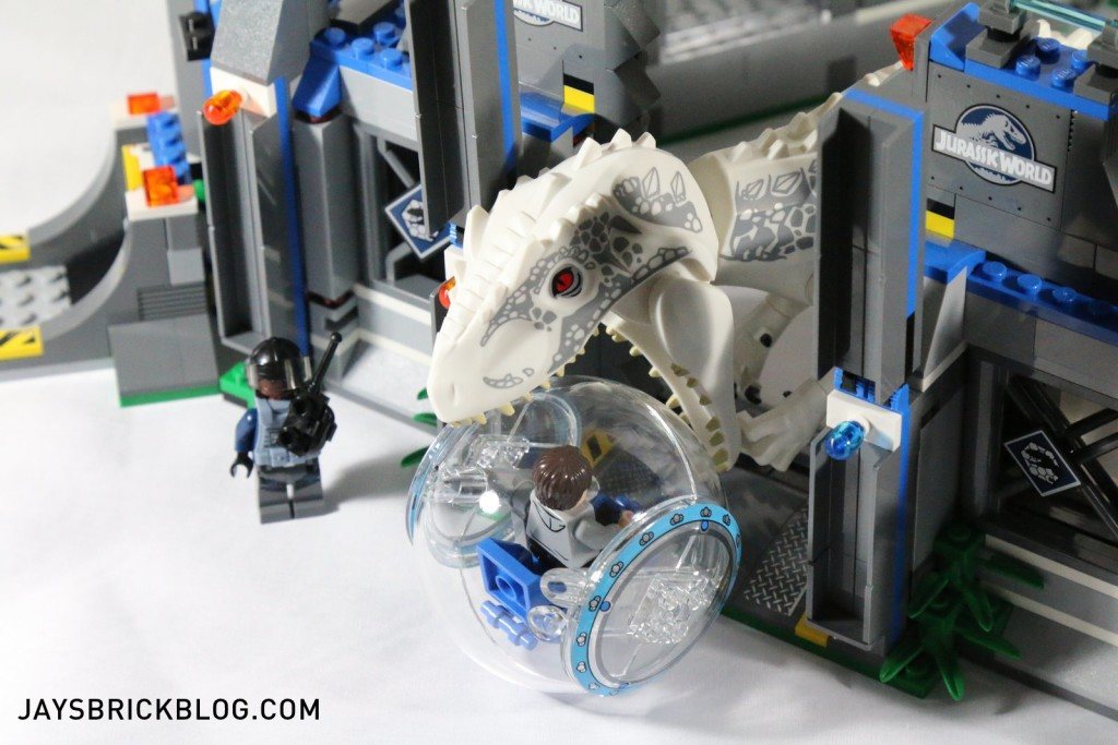 LEGO 75919 Indominus Rex Breakout - I-Rex Chewing Gyrosphere