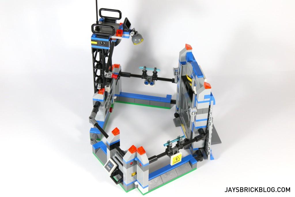 LEGO 75920 Raptor Escape - Velociraptor Pen Aerial View