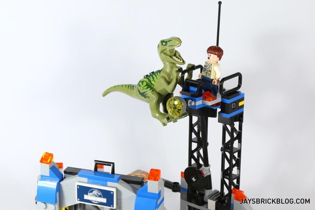 LEGO 75920 Raptor Escape - Velociraptors Jump