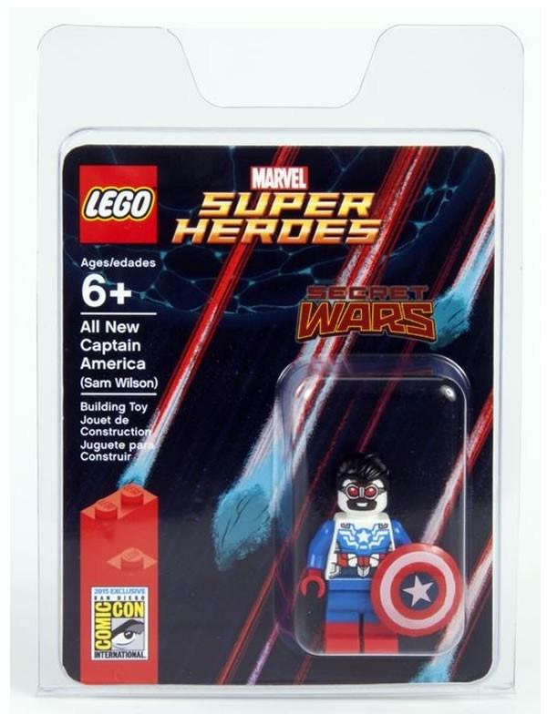 LEGO SDCC 2015 Sam Wilson Captain America Minifigure