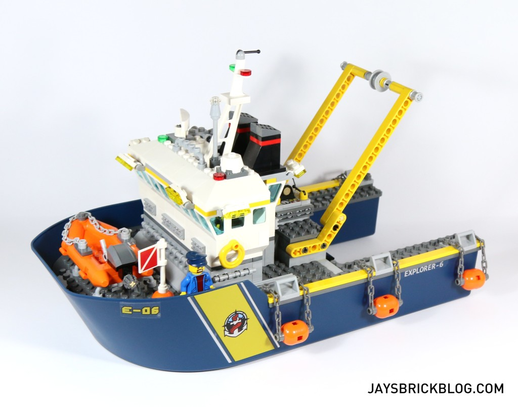Review: LEGO 60095 – Deep Sea Exploration Vessel