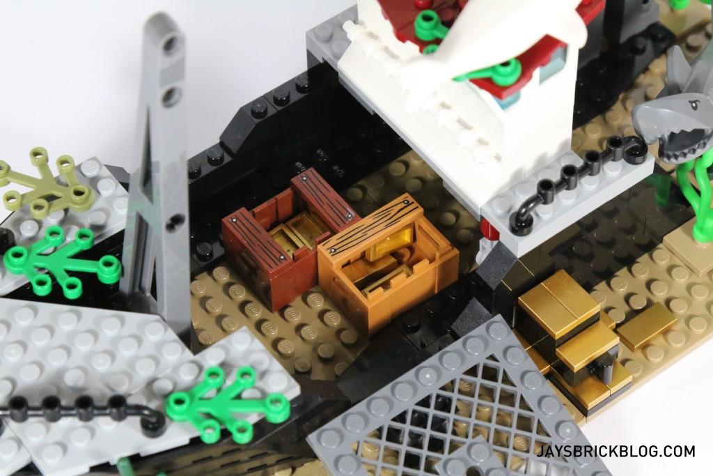 LEGO 60095 Deep Sea Exploration Vessel - Gold Treasure Bars