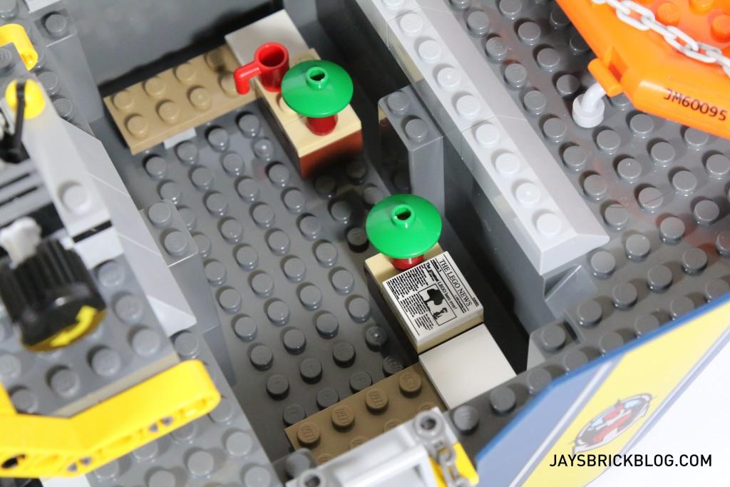 LEGO 60095 Deep Sea Exploration Vessel - Living Quarters