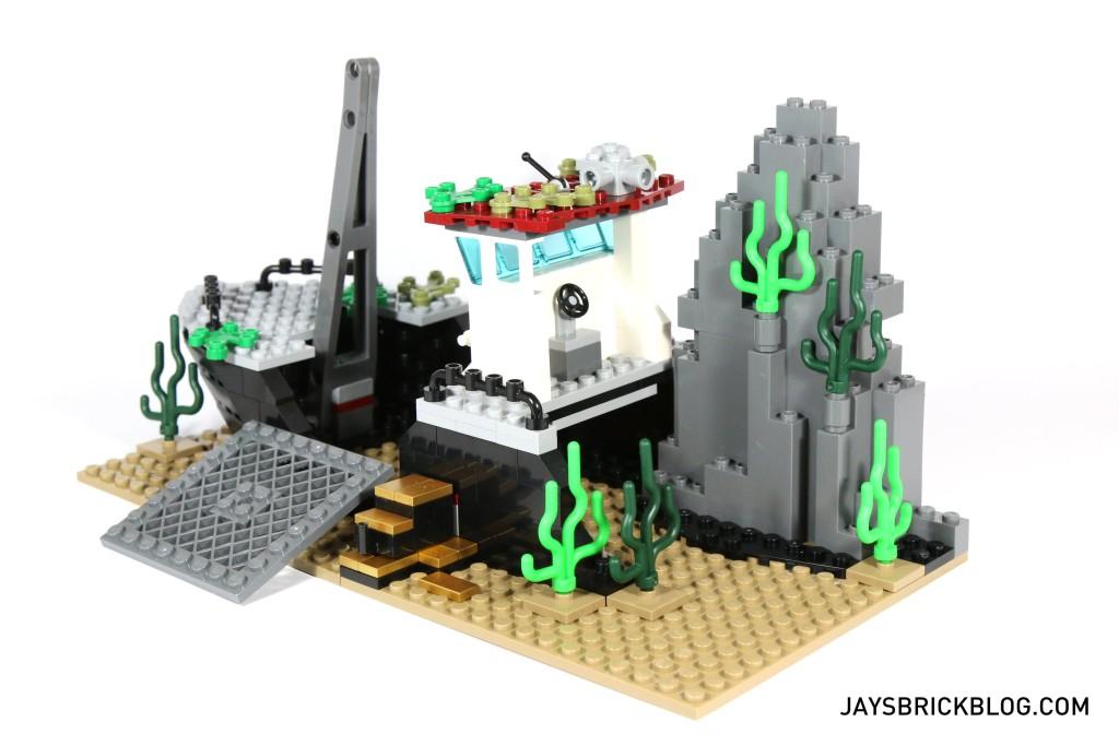 LEGO 60095 Deep Sea Exploration Vessel - Shipwreck Interior