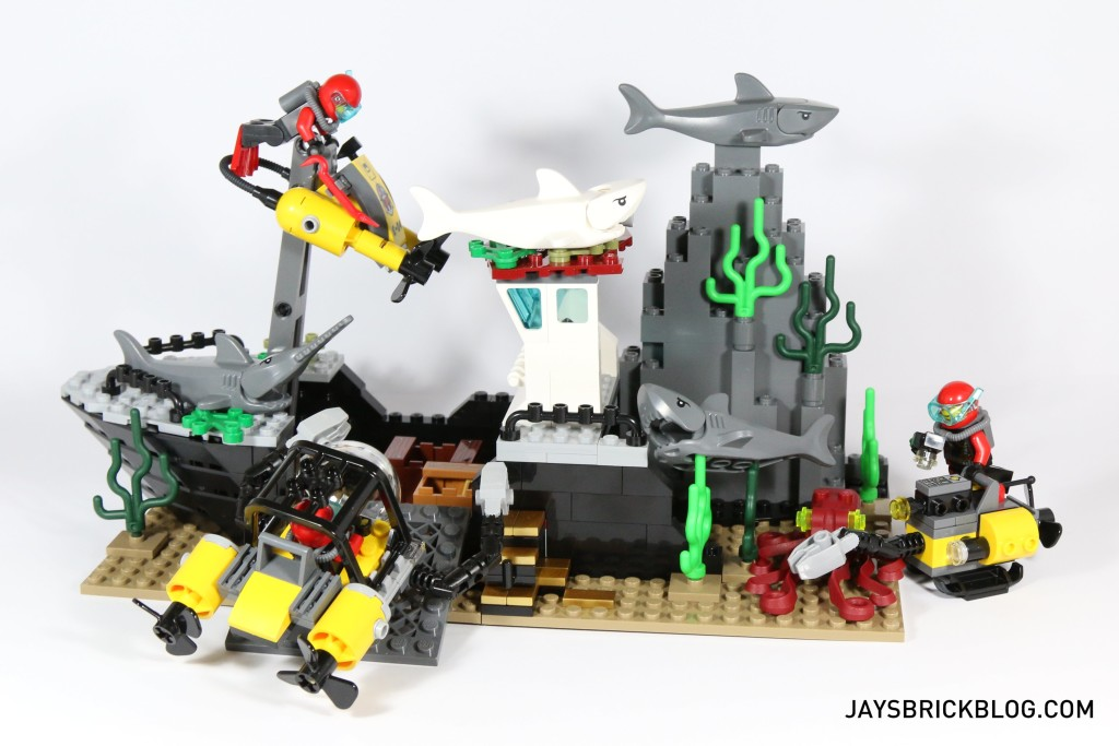 LEGO 60095 Deep Sea Exploration Vessel - Shipwreck Scene