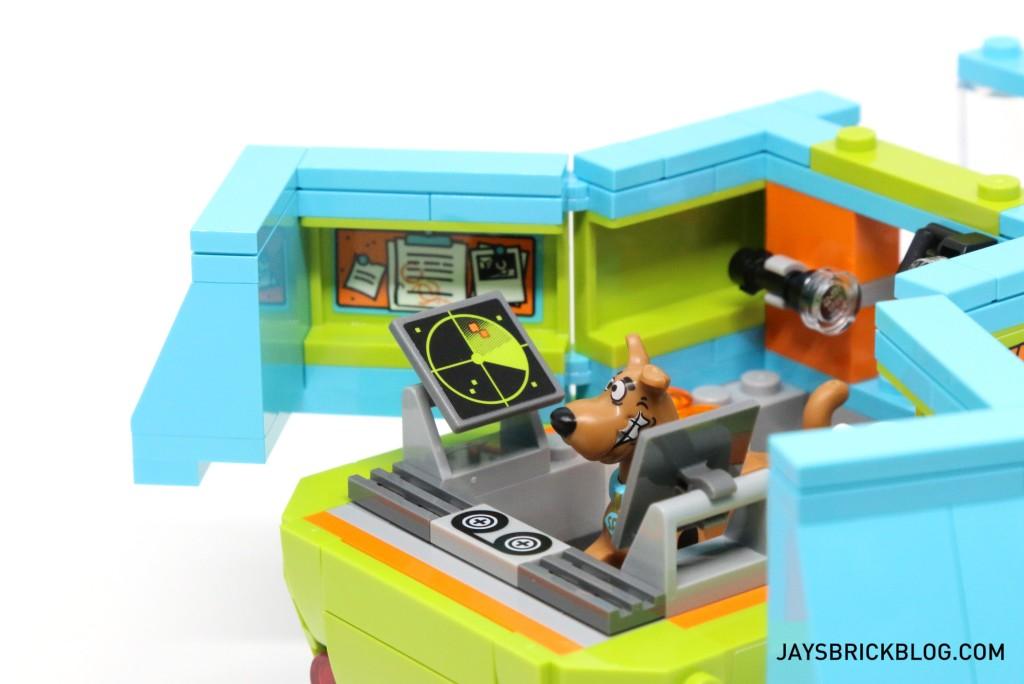 LEGO 75902 The Mystery Machine - Interior Left