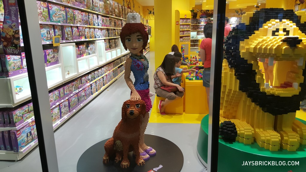 Manila LEGO Store - Friends Minidoll Sculpture