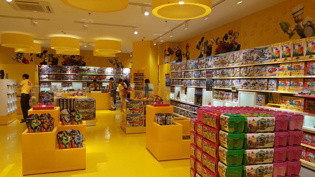 Manila LEGO Store - Interiors