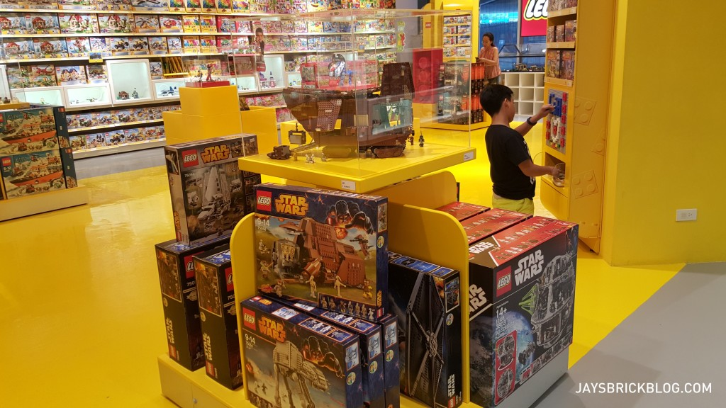 Checking out the LEGO Store in Manila, Philippines