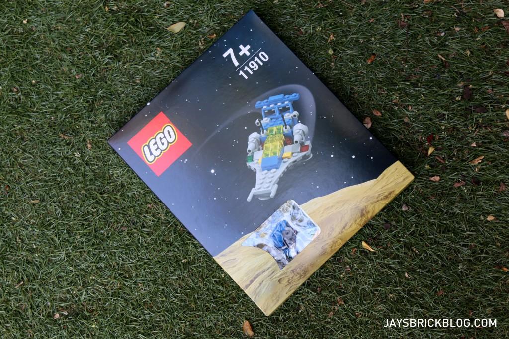 DK Great LEGO Sets Book - Micro Space Cruiser Box