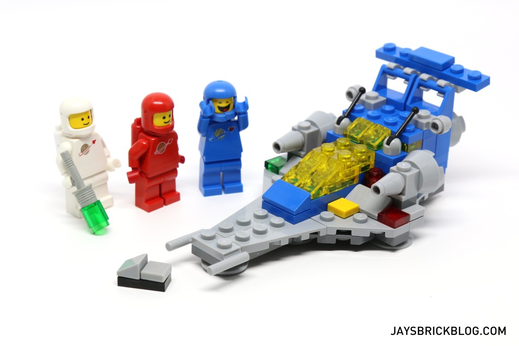 LEGO 11910 Micro Space Cruiser - With Spaceman Minifigures