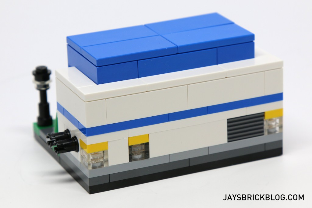 LEGO TRU Bricktober 2015 - Toys R Us Store Back