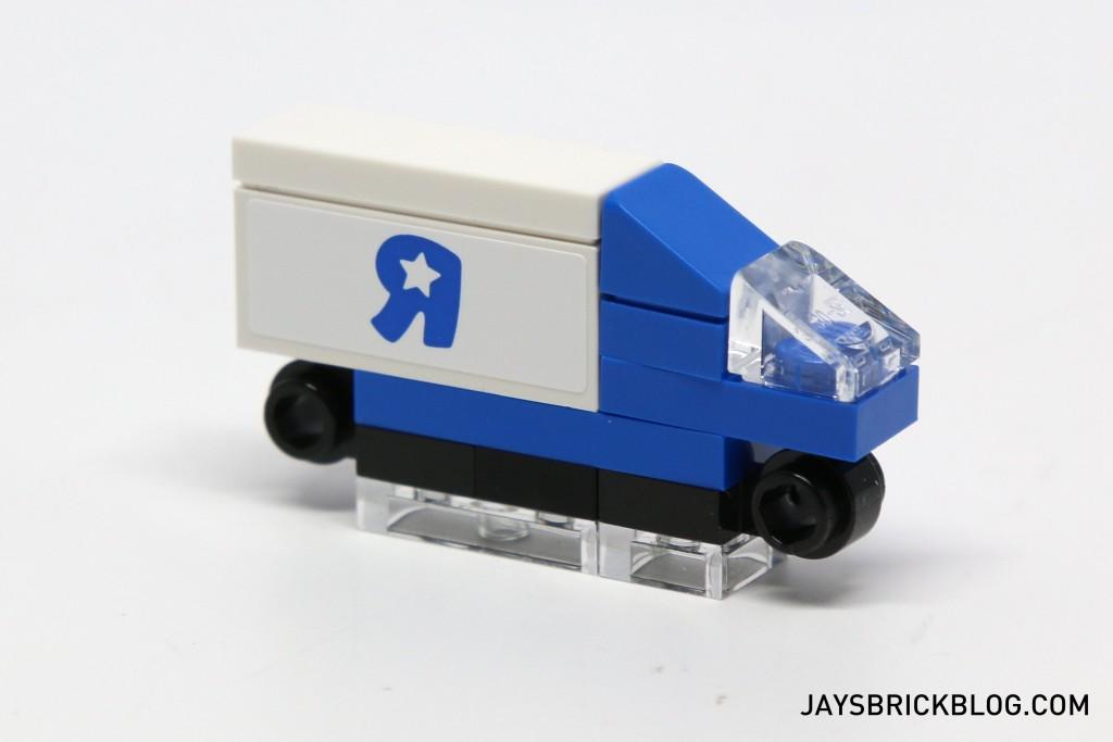 LEGO TRU Bricktober 2015 - Toys R Us Truck