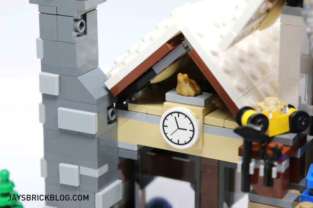 LEGO 10249 Winter Village Toy Shop - Golden Frog