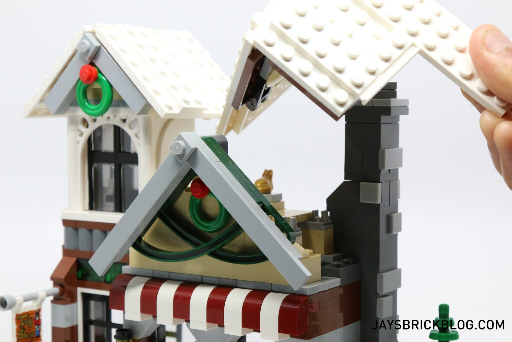 LEGO 10249 Winter Village Toy Shop - Removable Roof