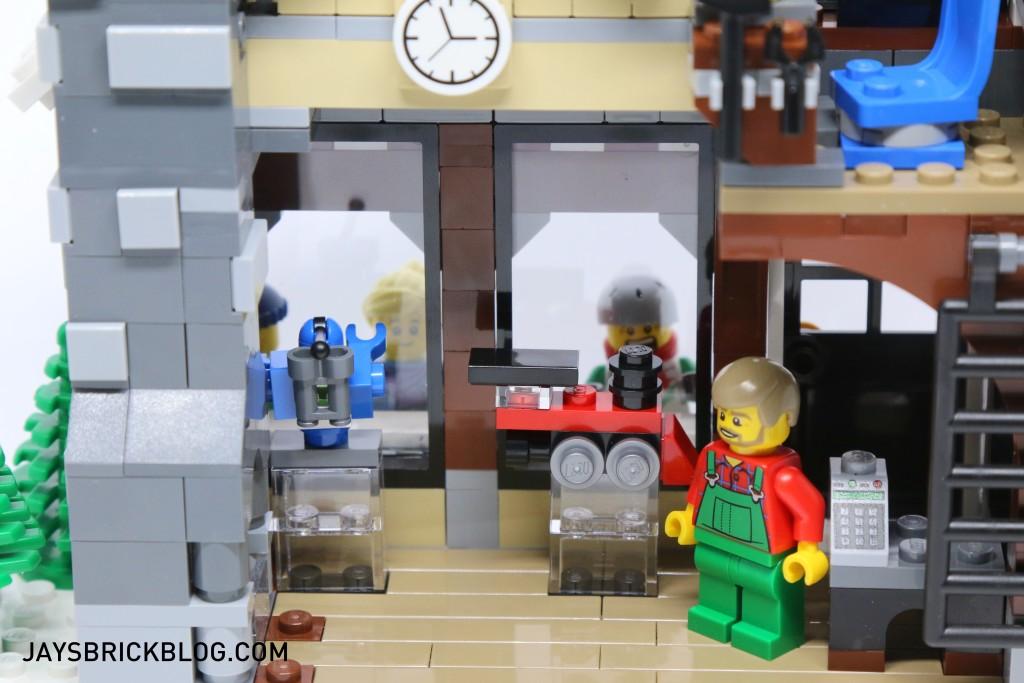 LEGO 10249 Winter Village Toy Shop - Store Area
