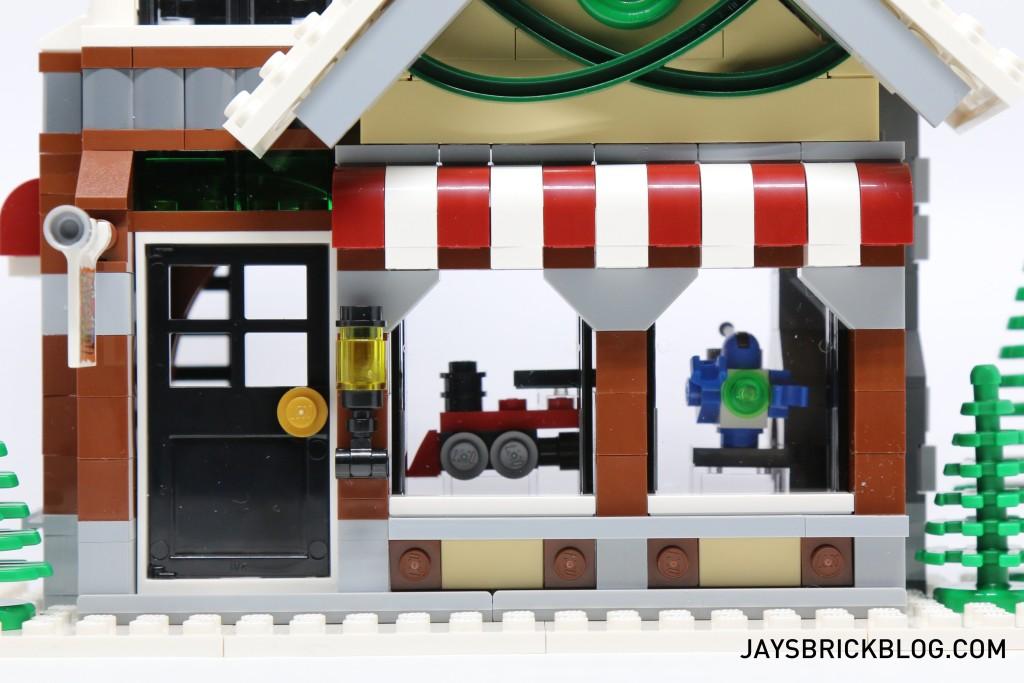 LEGO 10249 Winter Village Toy Shop - Toy Windows