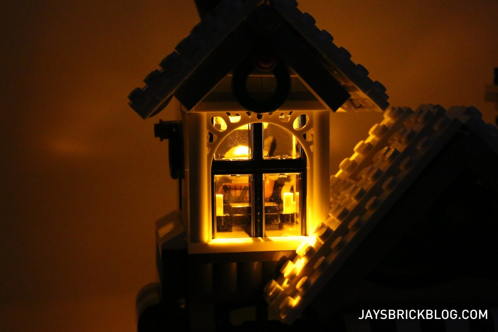LEGO 10249 Winter Village Toy Shop - Window Illuminated by Light Brick