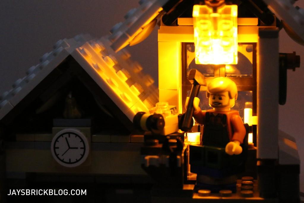 LEGO 10249 Winter Village Toy Shop - Workshop with Light Brick
