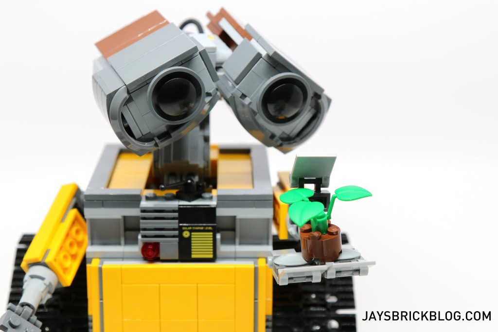 LEGO 21303 Wall-E -Wall-E and Plant