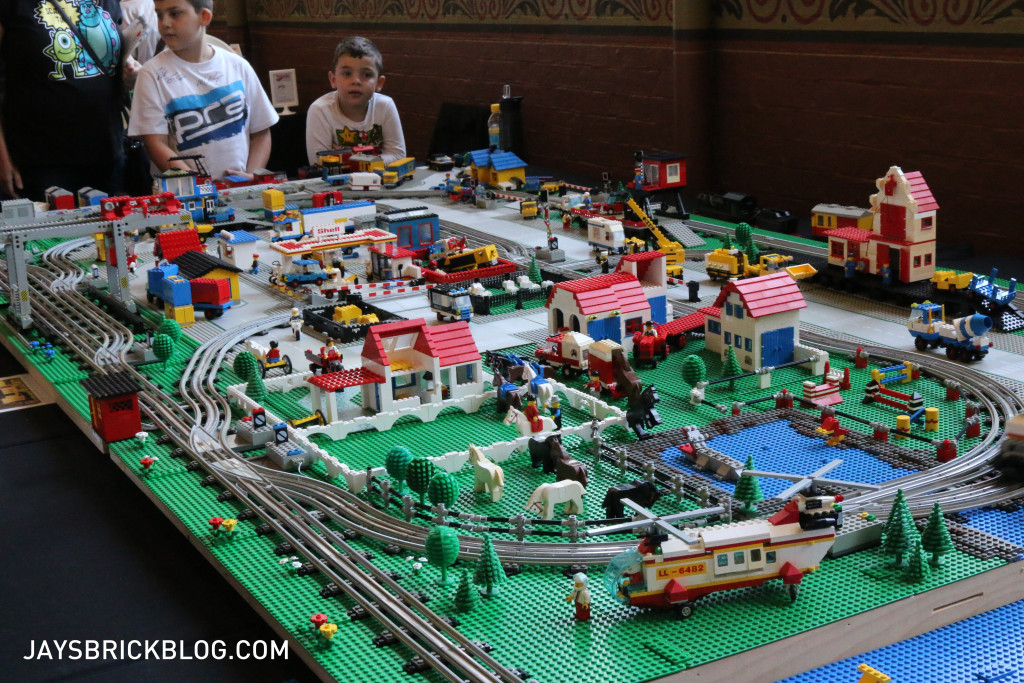 Brickvention 2016 - 1980s Town and Train Display by Martin Schroeter 2