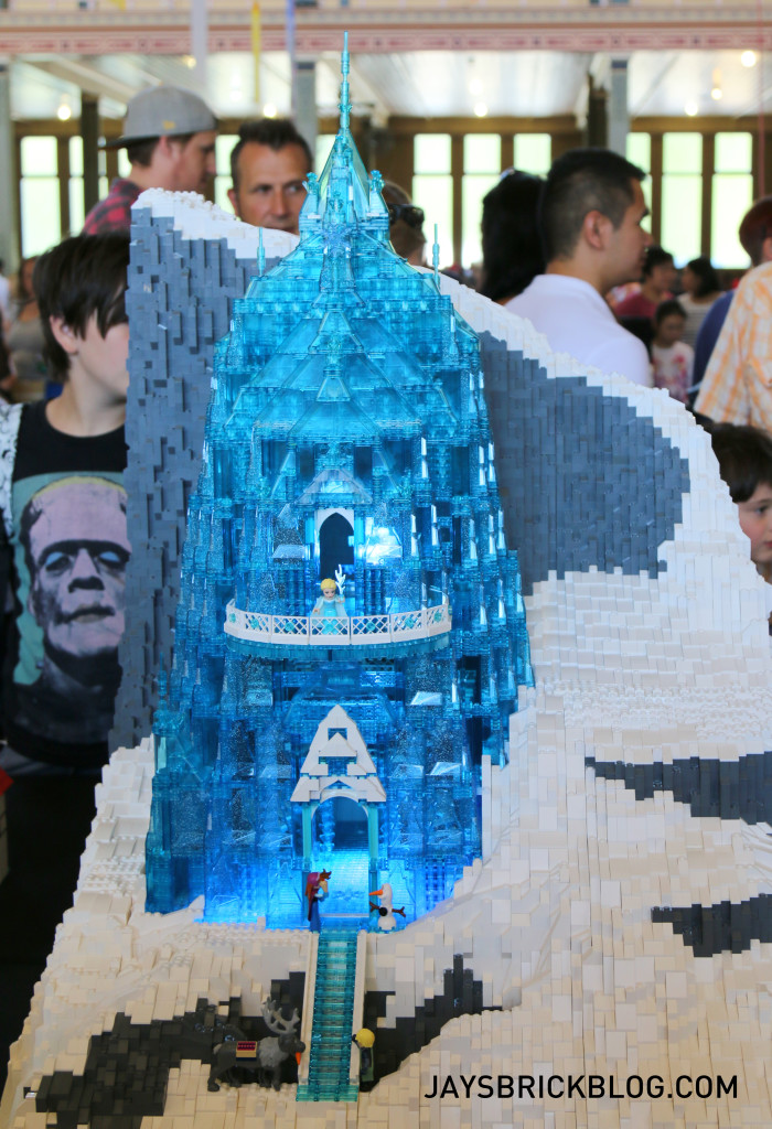 Brickvention 2016 - Elsa's Ice Castle by Peter Lock