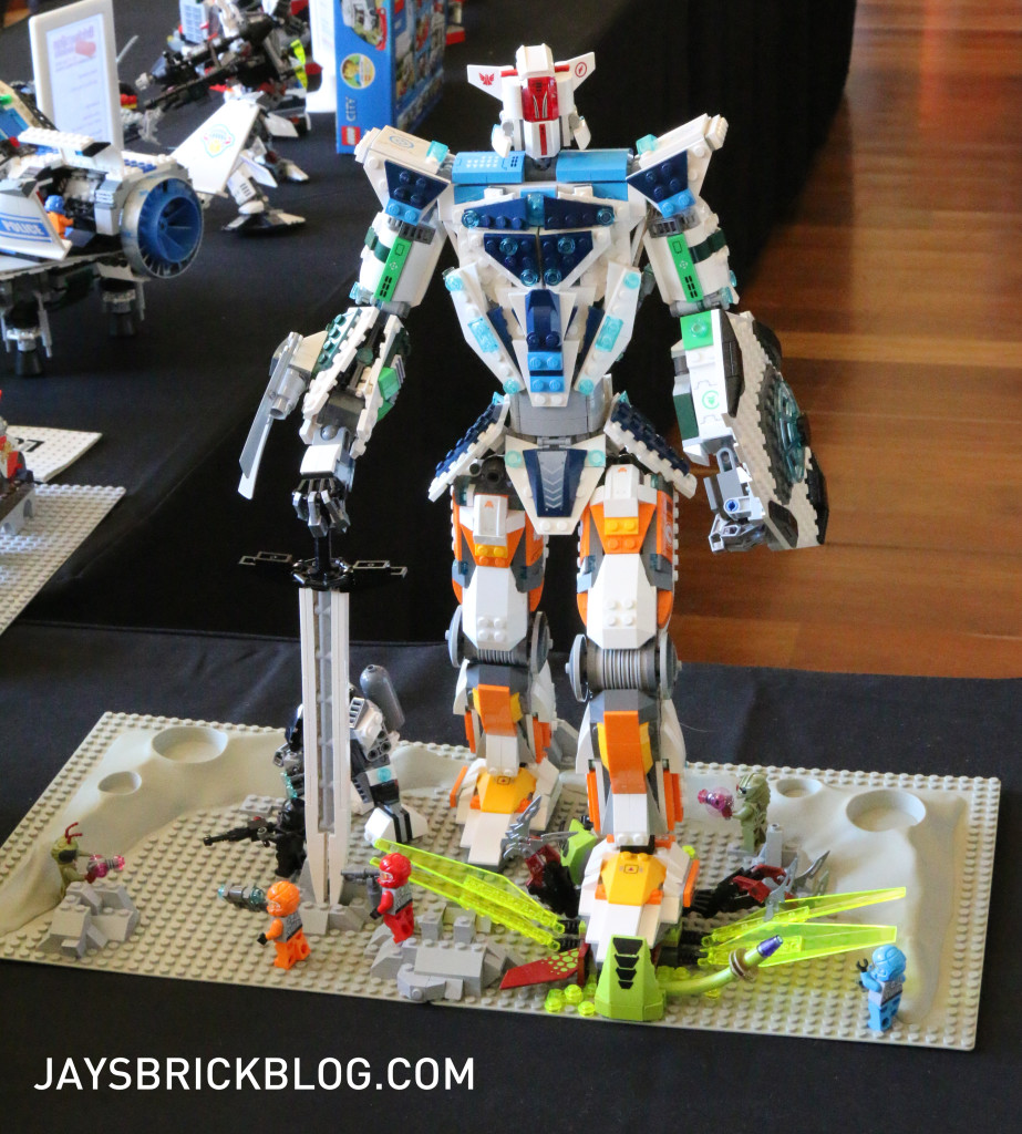Brickvention 2016 - Galaxy Squad MK 1 Assault Robot by Will Pearce