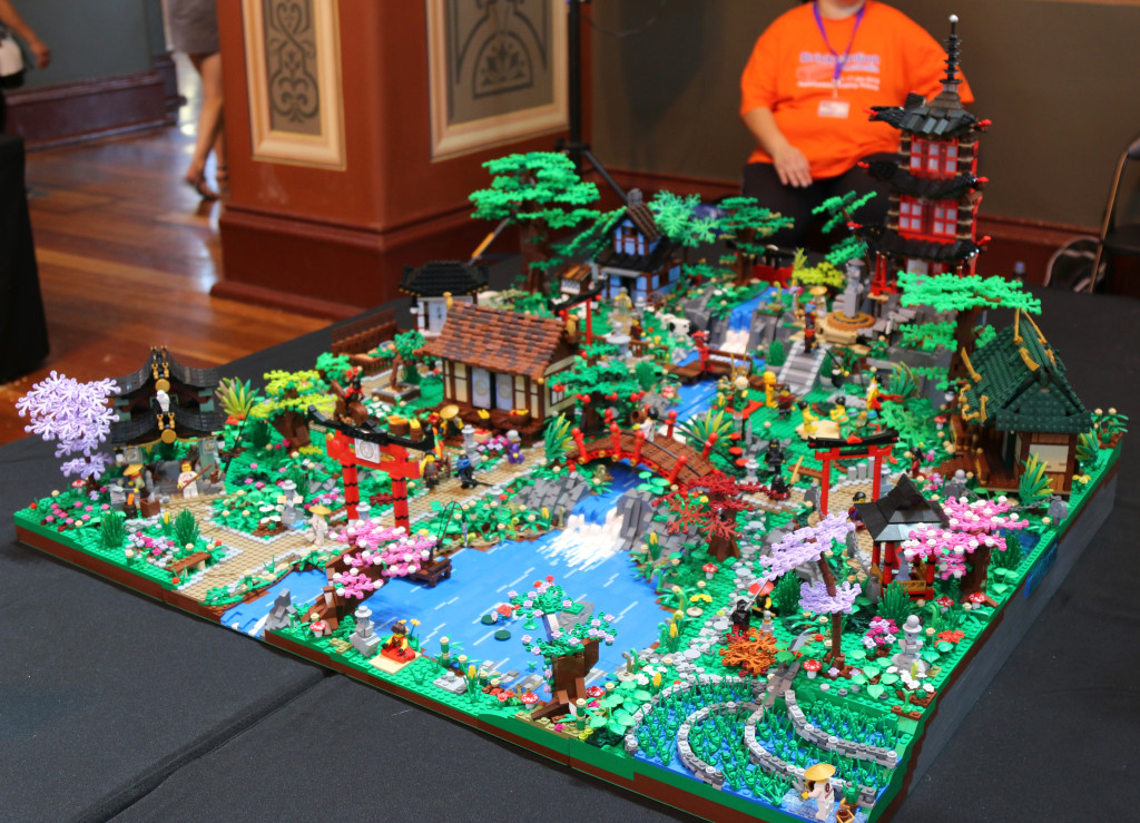 Brickvention 2016 - Japanese Spring Village by the TanTile Family